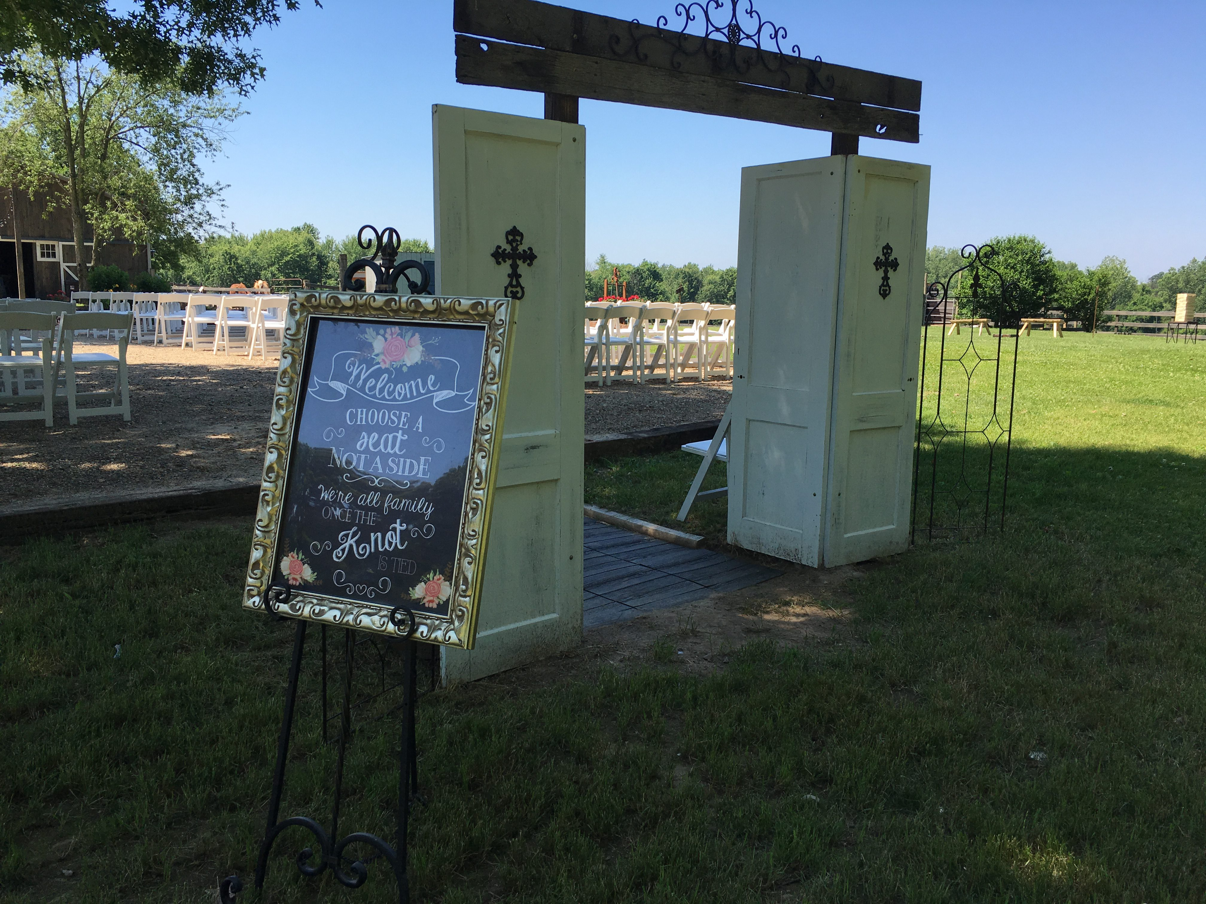 Picture of The walkthrough arch for Bride.